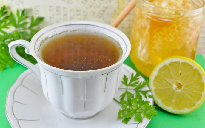 ceai de patrunjel cu lamaie)