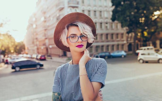 arătos vânzare online calitate autentică Truc de stil femei cu ochelari | DivaHair.ro