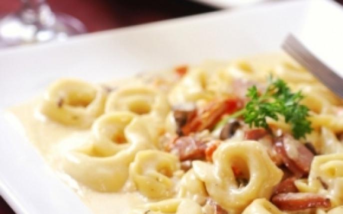 Reteta italiana tortellini cu carnaciori prajiti for Cu ci na roma