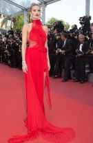 Rosie Huntington-Whiteley în Alexandre Vauthier