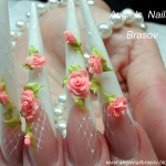 Unghii french false cu model by Angie's Nails Brasov