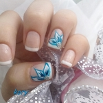 Unghii French cu pictura albastra by Kory Nails