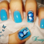 Unghii albastre mici by Kory Nails