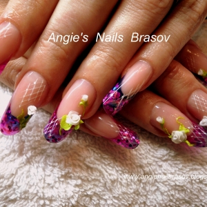 Unghii French cu model by Angie's Nails Brasov