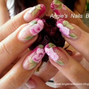 Unghii pictate by Angie's Nails Brasov