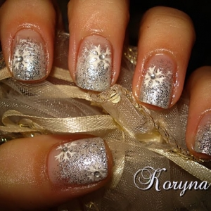 Model unghii fulg de nea by Kory Nails