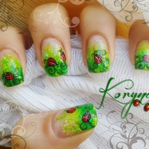 Unghii pictate model primavara by Kory Nails