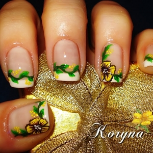 Unghii French cu flori by Kory Nails