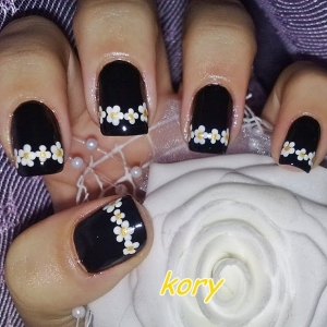 Unghii negre cu model by Kory Nails