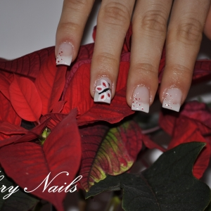 Unghii gel pictate cu fluturas by Flory Nails
