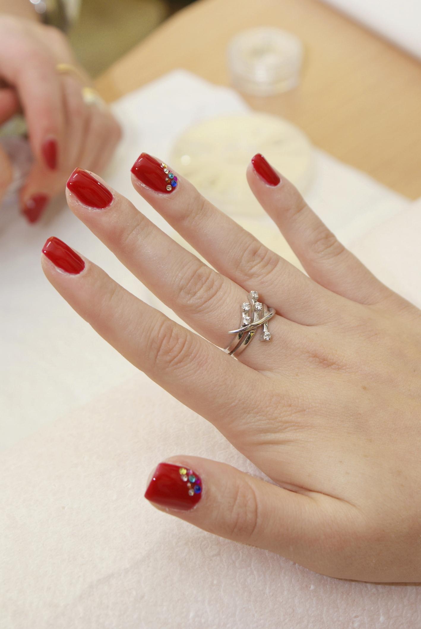 Маникюр для толстых пальцев и коротких ногтей